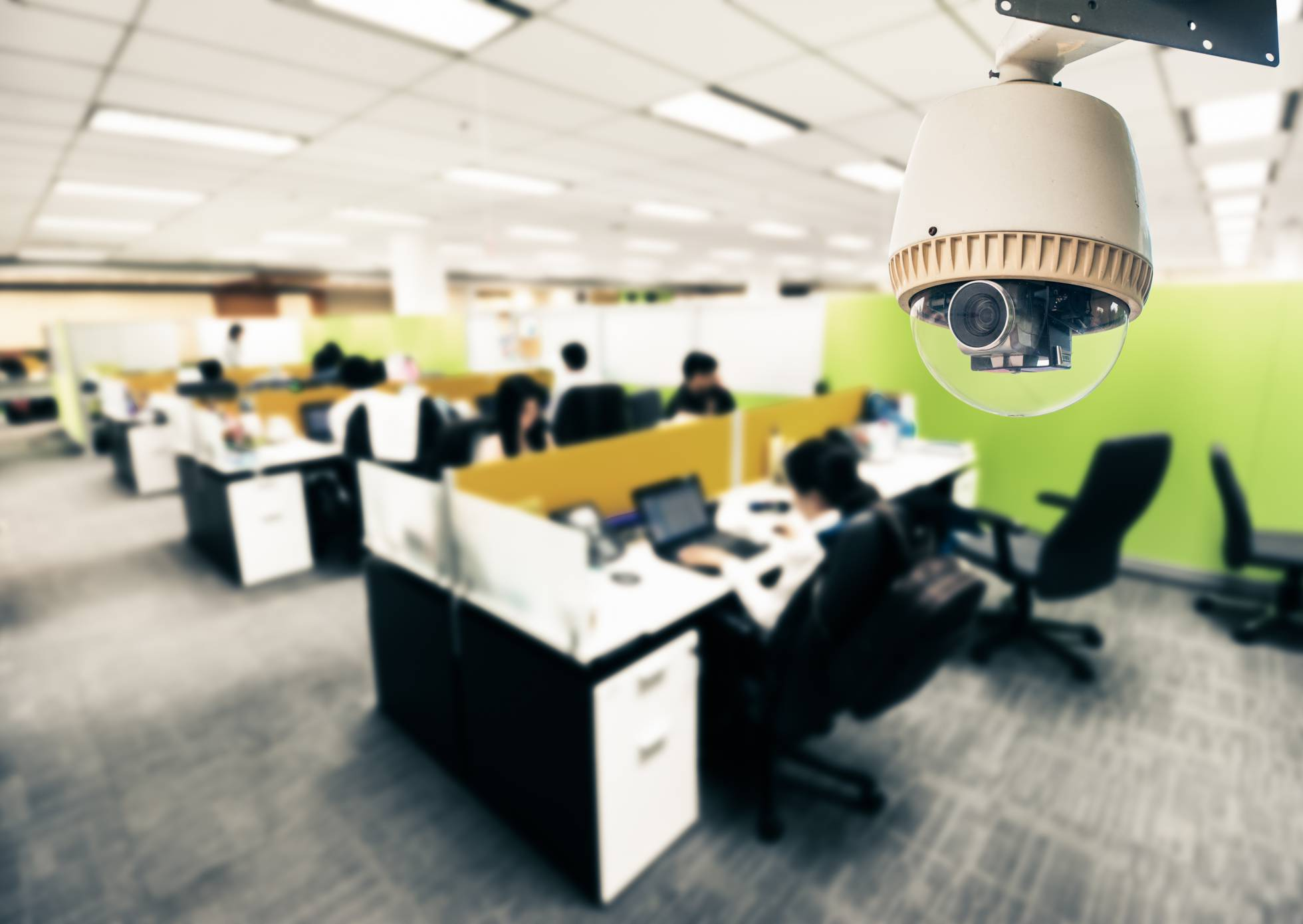 Un Gran Hermano que todo lo ve en la oficina. El uso de cámaras de vigilancia es una de las materias más conflictivas en el ámbito del trabajo